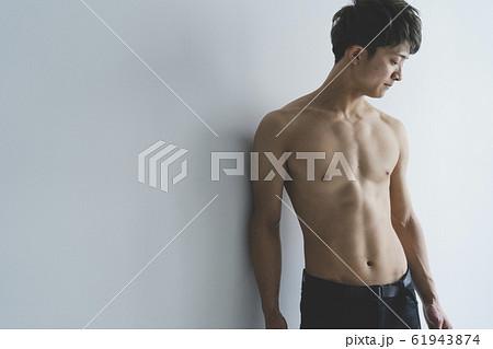 筋肉男子 61943874