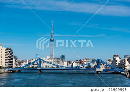 青洲橋と東京スカイツリー 61969993