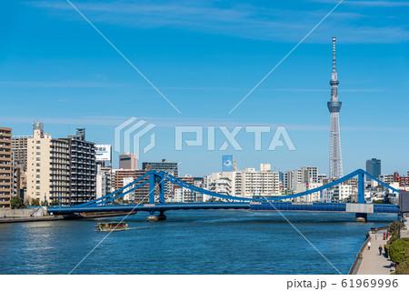 青洲橋と東京スカイツリー 61969996
