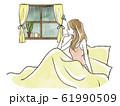 雨の日にベッドから窓の外を眺める女性-憂鬱 61990509