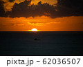 夕日 夕焼け ワイキキ perming 写真素材 62036507