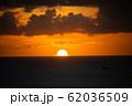 夕日 夕焼け ワイキキ perming 写真素材 62036509