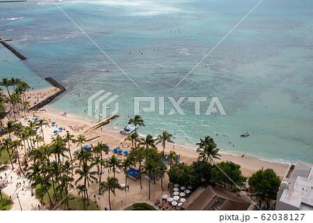ハワイ ワイキキビーチ 俯瞰 perming 写真素材 62038127