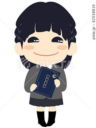 卒業式 卒業証書を持った女の子 賞状ファイル 62038816