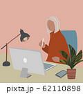 オフィス パソコン 観葉植植物 アトリエ 人物あり B 62110898
