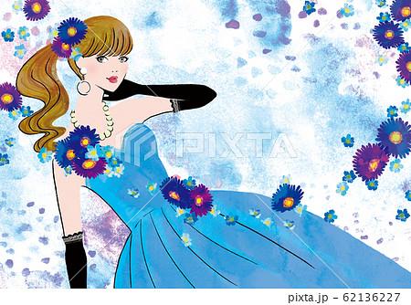 青いドレスを着た女性 62136227