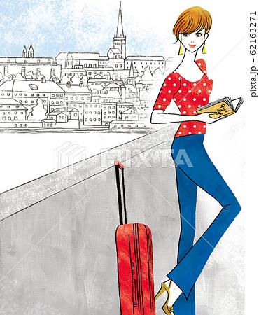 ヨーロッパに旅行に出掛けた女性 62163271