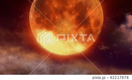 紅い月が迫る 62217678