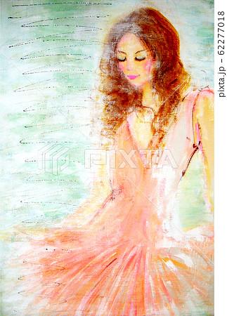 ピンクの衣装を着たダンサー 62277018