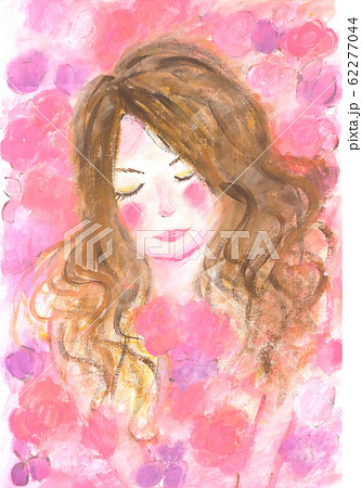 ピンクの花に囲まれた女の子 62277044