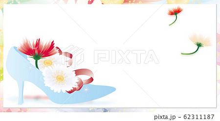 ガーベラのカラフルな花とガラスの靴のイラストバナー素材 62311187