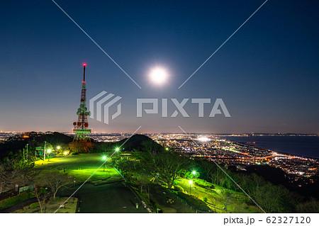 《神奈川県》湘南平の夜景・満月の夜 62327120
