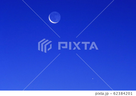 接近した月と水星 62384201