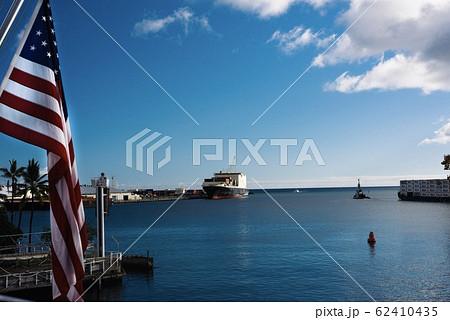 アメリカ国旗 ハワイ 海沿い 62410435