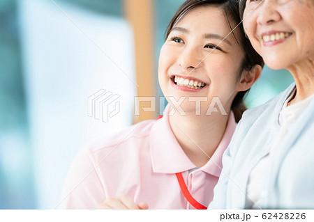 介護イメージ シニア デイケア 介護福祉士 老人ホーム 62428226