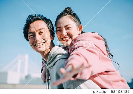 仲良しのカップル 62438485