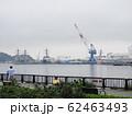 曇天の軍港町横須賀 62463493