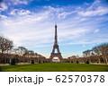 パリのエッフェル塔 62570378