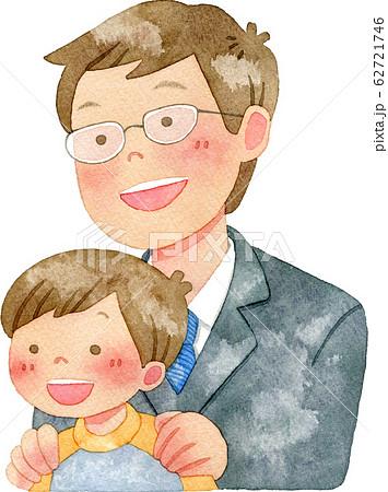 子供の肩に手を置く男性 62721746