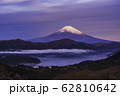 (神奈川県)箱根大観山から望む富士山 夜明け 62810642