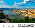 ハンガリー ドナウ川とブダペストの街並み 62828952
