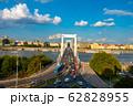 ハンガリー ドナウ川とブダペストの街並み 62828955
