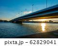 ハンガリー ドナウ川と夕焼け 62829041
