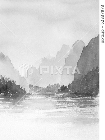 山と湖の風景 水墨画 墨絵 山水画 モノクロ 62837973