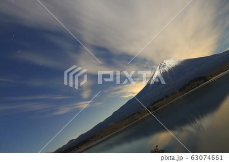 流星群と富士山 63074661