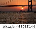 明石海峡大橋の夕暮れ 冬編 63085144