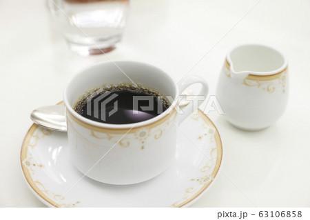 コーヒーとミルク 63106858