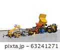 ダンプ トラック他 重機の整列シーン 63241271