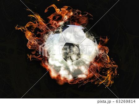 炎と煙に包まれた抽象的なサッカーボール 63269814