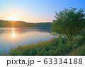 朝の余呉湖 63334188