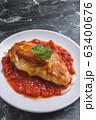 トマトソースのチキンソテー 63400676