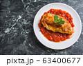 トマトソースのチキンソテー 63400677
