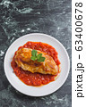 トマトソースのチキンソテー 63400678