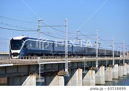 東海道本線 茅ヶ崎-平塚 JR東日本 E261系 RS1編成(大宮) 『サフィール踊り子』 63538899