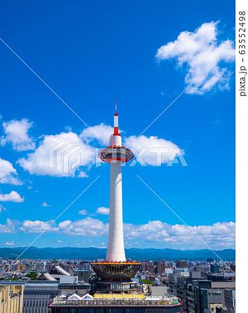 京都タワーと街並 63552498
