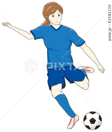 サッカーをする女性01 63582150