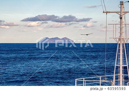 鳥島 63595593
