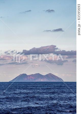 鳥島 63595693