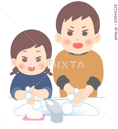 楽しく手を洗う親子 63644128