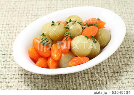 人参と玉ねぎのグラッセ、野菜の煮物 63649584
