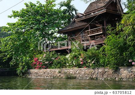 タイの水上マーケット(タリンチャン、バンコク) 63705812