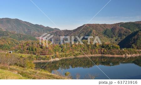 温井ダム 龍姫湖 秋の景色 63723916