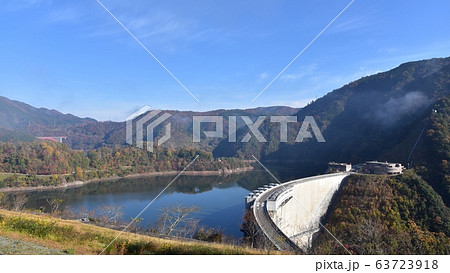 温井ダム 龍姫湖 秋の景色 63723918