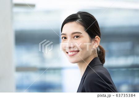 女性 ビジネス ポートレート 63735384