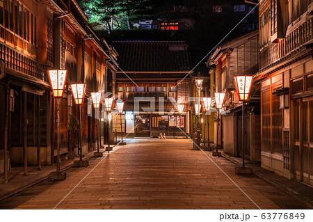《石川県》ひがし茶屋街の夜景・金沢市 63776849