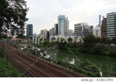 神楽坂周辺の川沿い風景 63801990